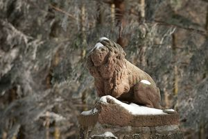German statue of a lion in la Jambe de Bois
